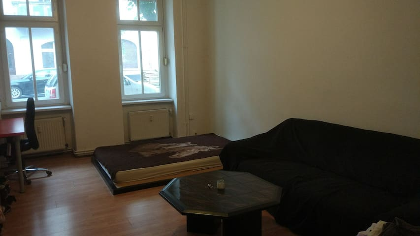 Room in a shared apartment in Friedrichshain.