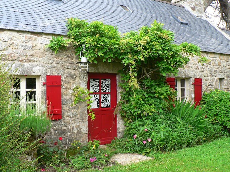 Maison typique bretonne 900m mer maisons louer beuzec cap sizun bretag - Maison typique bretonne ...