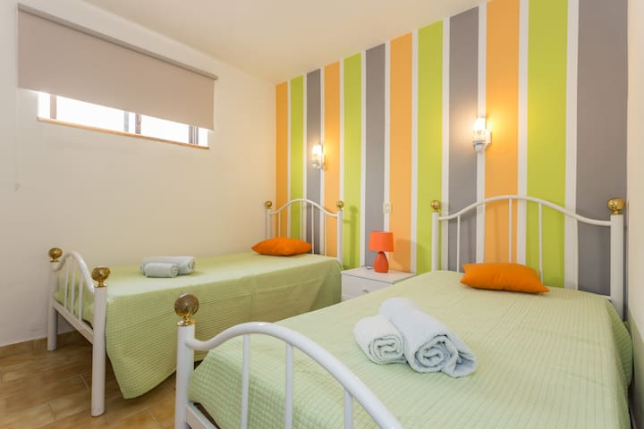 Private Bedroom1 in Albufeira,only 2min from beach