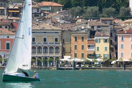 Romantic Mille Miglia-Garda Lake  - Gargnano - Appartement