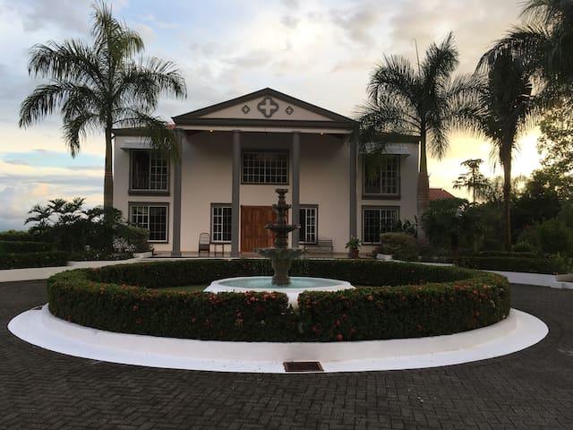 "Chateau St. Clair ""Tara"" in Ojochal Costa Rica"