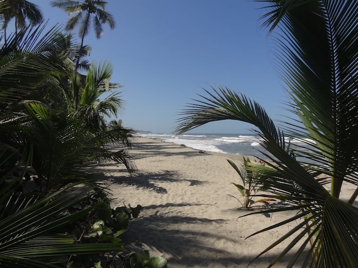 Casa en la playa del mar caribe.