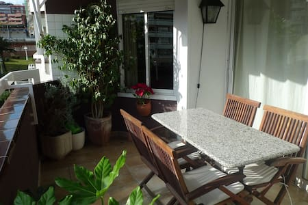 Quiet single room in Gracia!