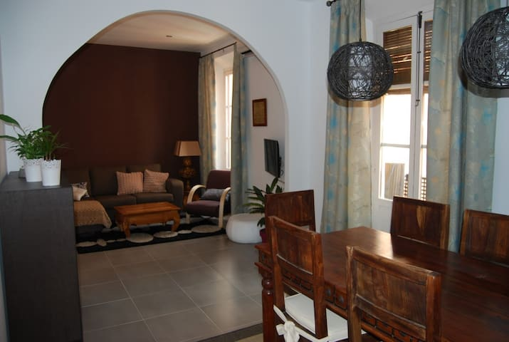 Apartamento con encanto, centro. RTA: VFT/GR/00333