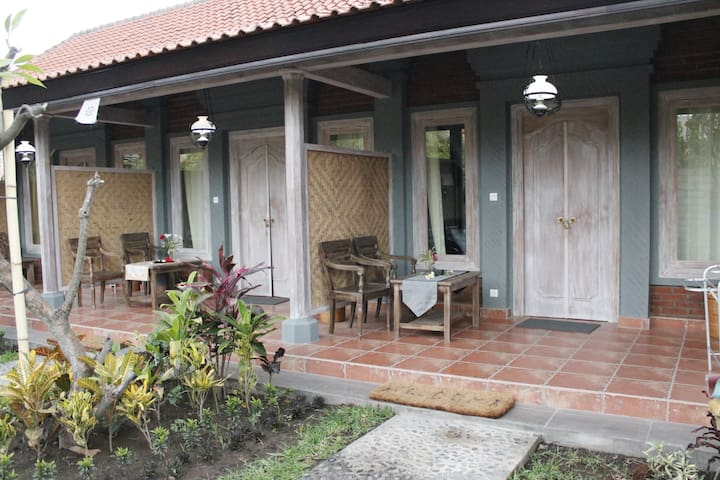 Ode Guesthouse with Balinese Family Touch - Gerokgak