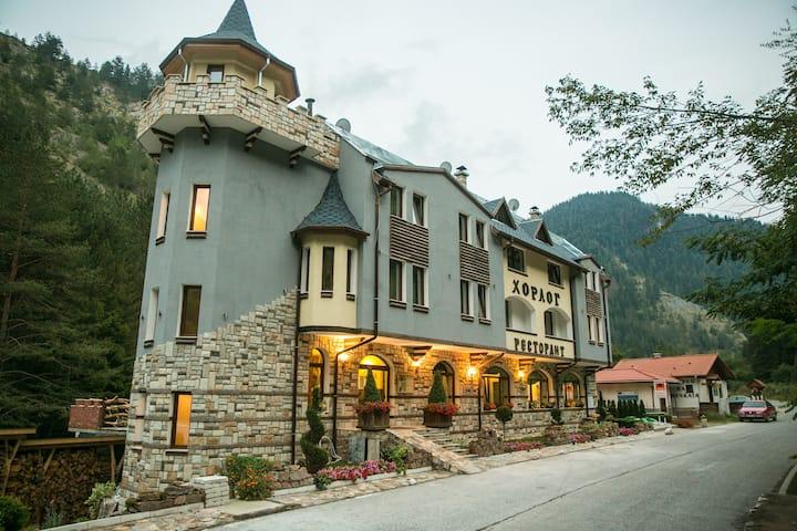 Horlog Castle in Land of Orpheus-Luxury Apartment