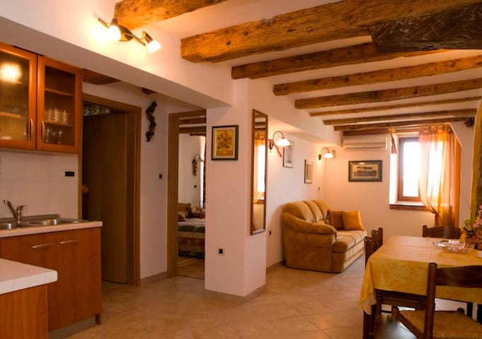 "Cozy apartment ""Montona"" in Motovun - Motovun - Apartment"