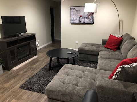Bright  2 bedroom basement suite close to Downtown