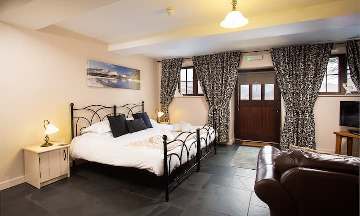 Raise Studio - Stay in the heart of the Lakes