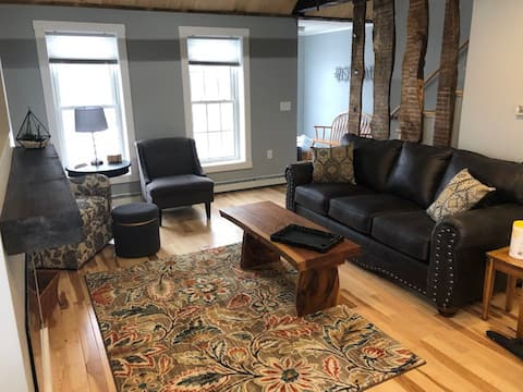 "Rustic/Trendy ""Soulshine"" space in Western Maine!"
