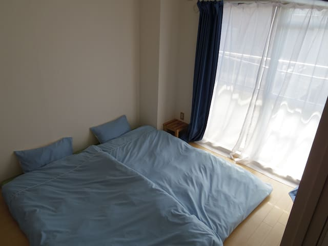 Private Twin Room Guest House with Fluent English - Kita Ward, Okayama