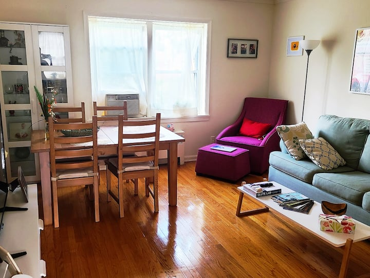 Cute room, close to Rutgers NB and NYC