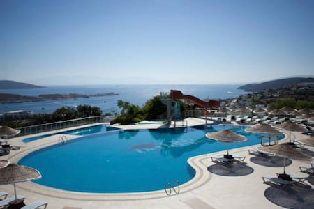 Wonderful sea view and nature (Timeshare villas)