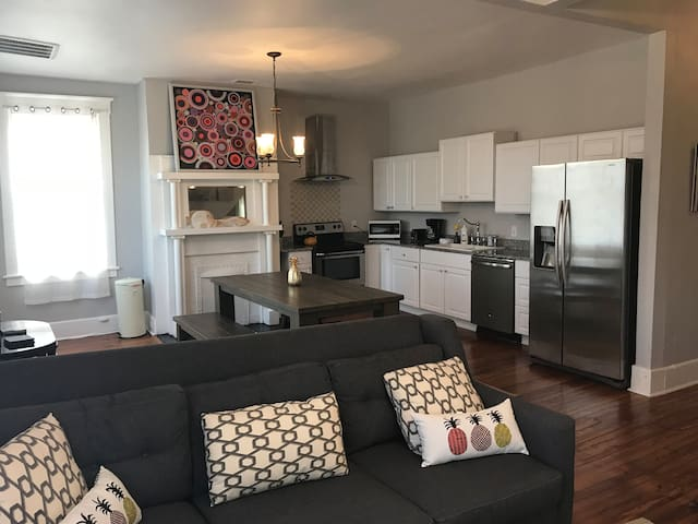 Furnished executive rental downtown