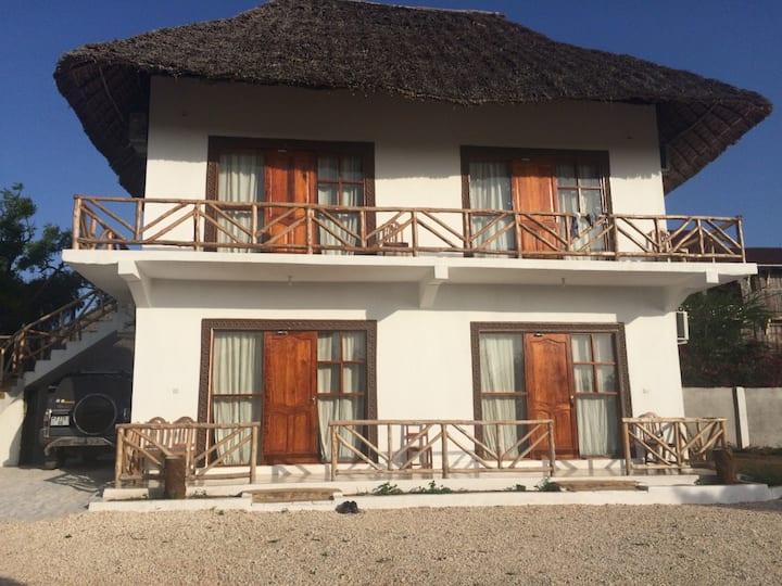 Shamba Lodge 2