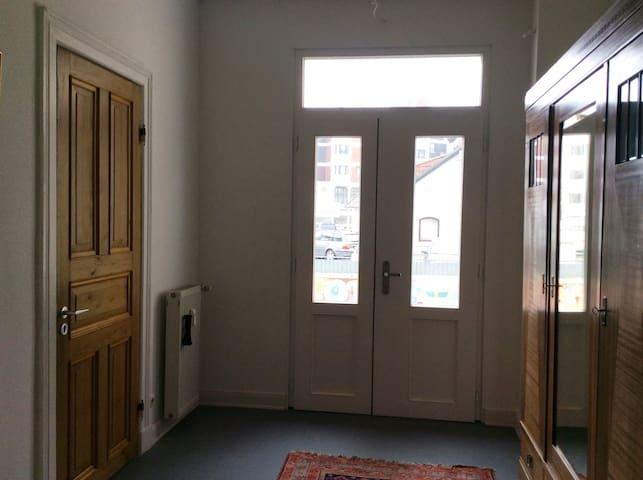Sanierte Altbauwohnung, 30min vom Hamburger Hbhf - Reinbek - Lägenhet