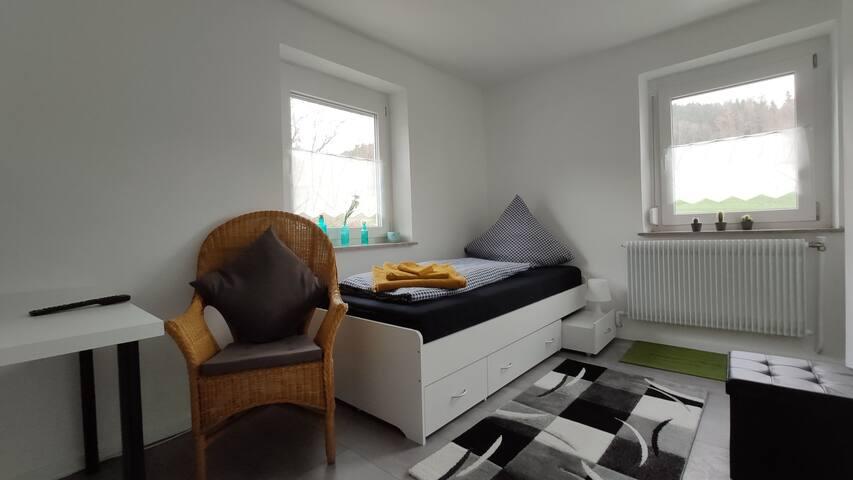 Einzelzimmer in 3 Raum Wohnung