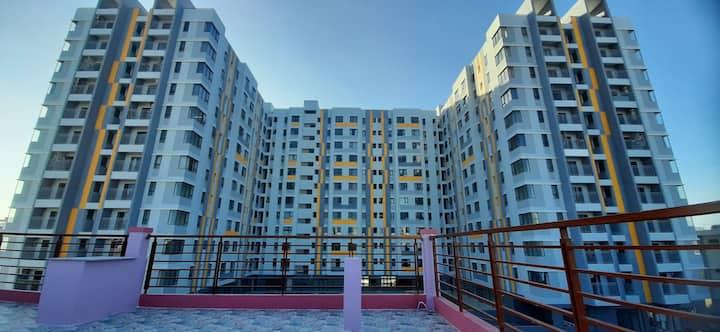Nhà nguyên  căn  đối diện chung cư Phú Thịnh