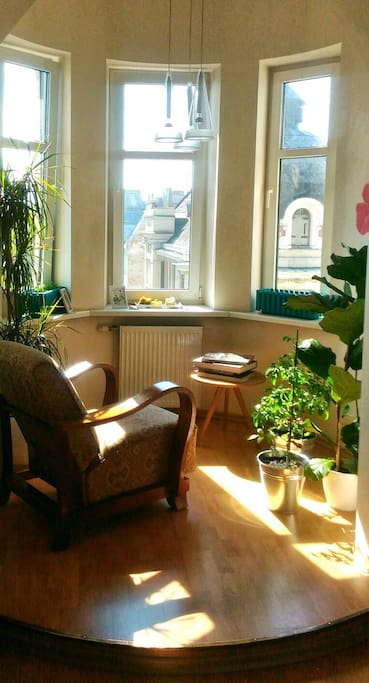 Feel like home, early in the Spring morning have some time for you with a splendid view of the City and real coffee by Nespresso.