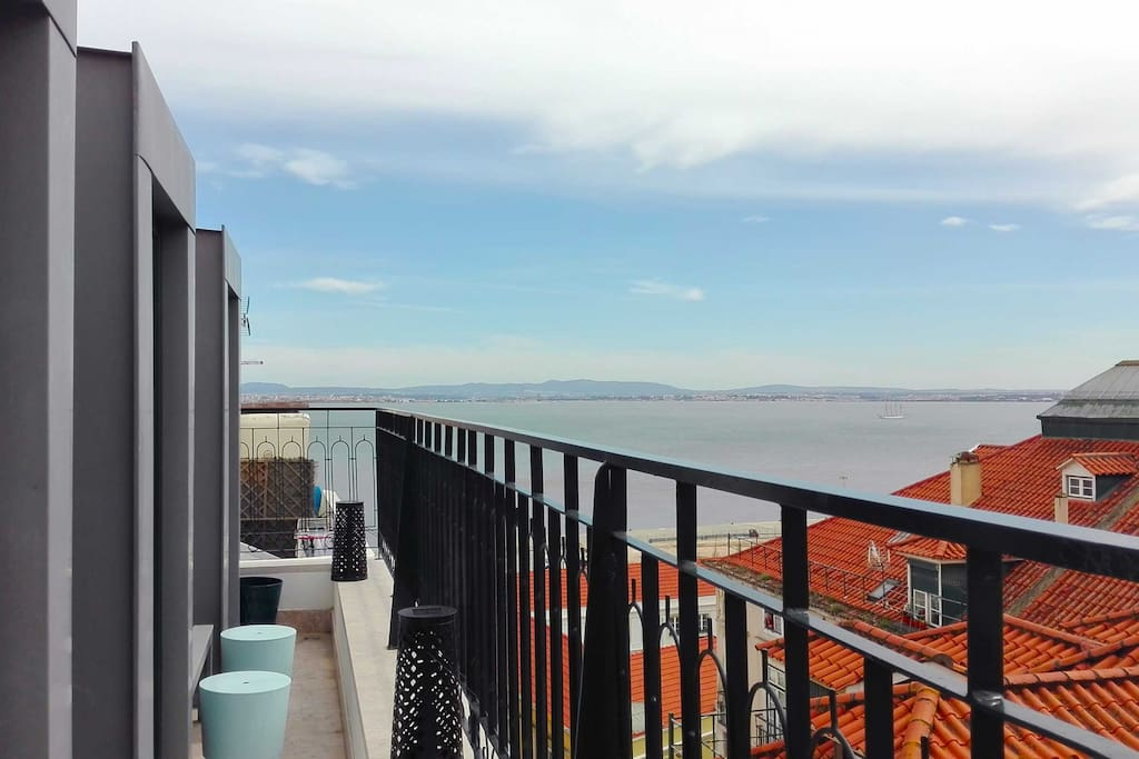 Magnificent Views of the River Tejo!