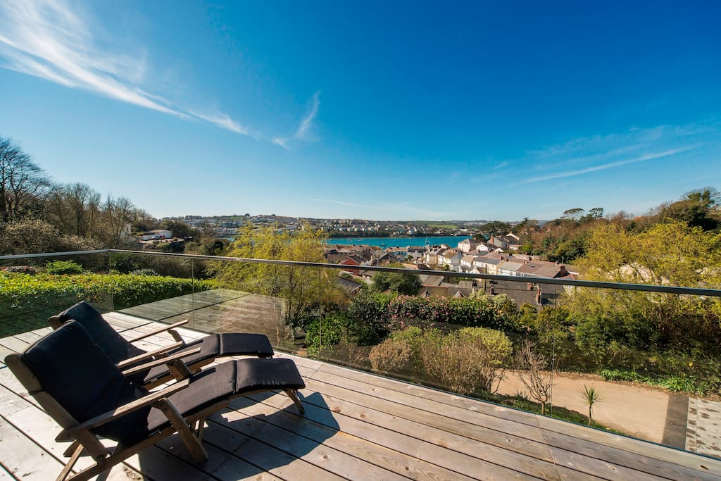 Enjoy the spectacular views and sunshine from the balcony