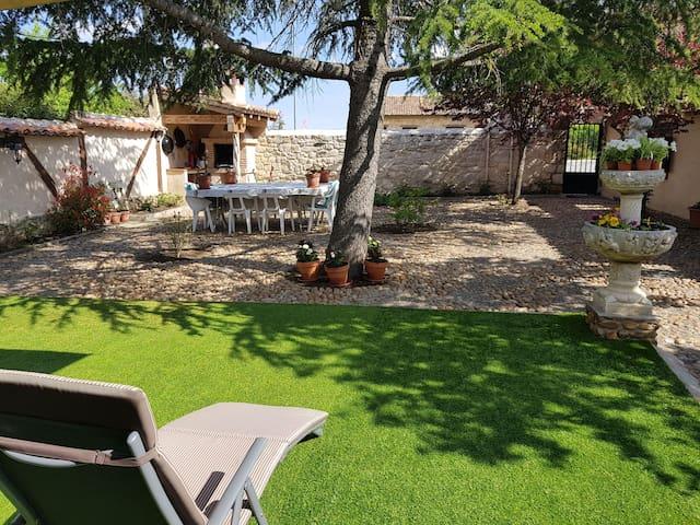 Villa Pedraza  Casa Rural 4*