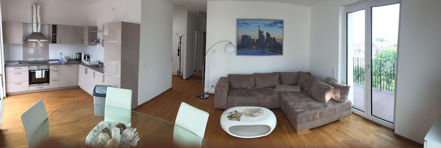 Penthouse Wohnung in Messenähe - Frankfurt am Main - Appartement