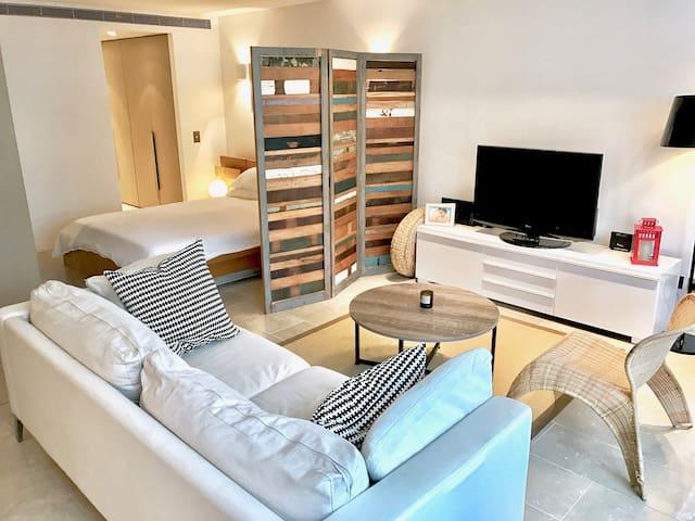 Bright, sunny, & massive studio in Bondi Beach! - Bondi Beach - Appartement