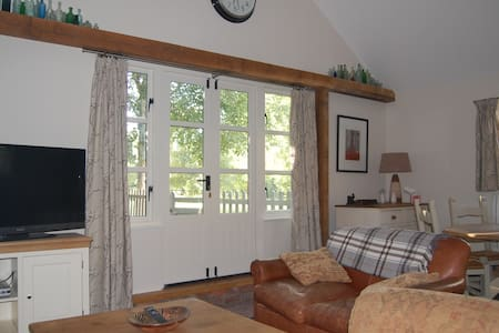 Comfortable two bedroom cottage - Whittlesford - Casa