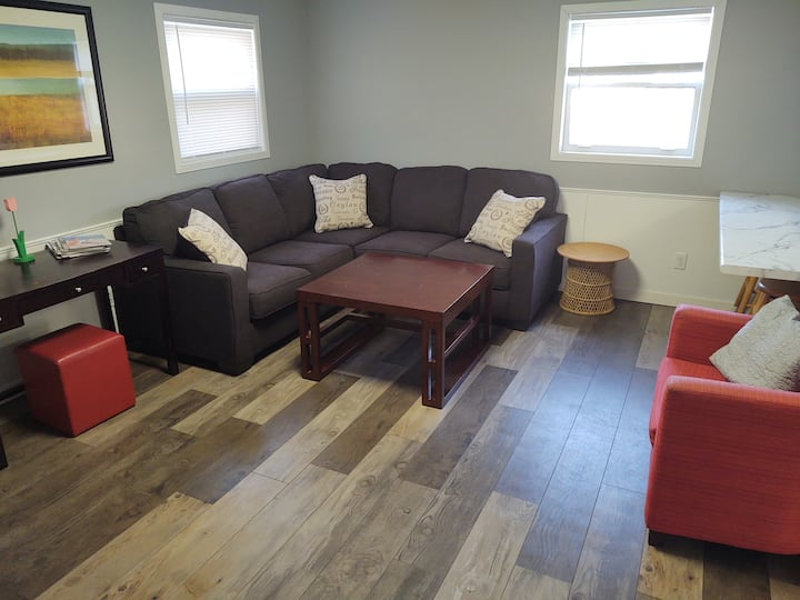 Large Updated home near downtown w/flex options!