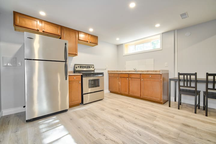 Brand New 1 Bedroom Collingwood Apartment