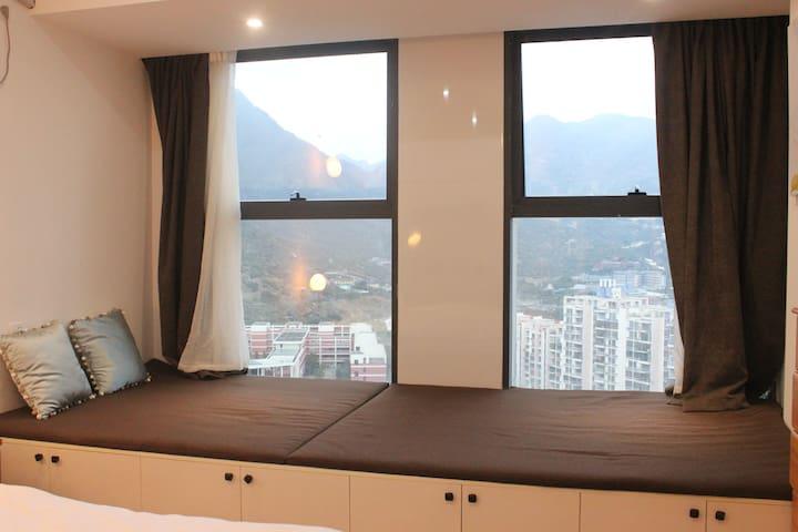 1.5米窗台榻榻米,可远眺大罗山风景