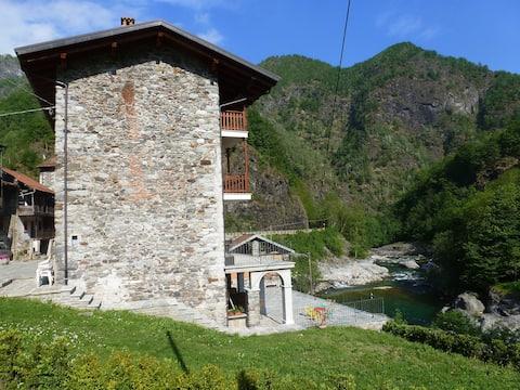 River Mountain House Carolina et Carlottina