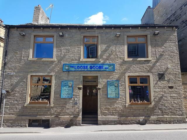 The Loose Goose Inn B&B