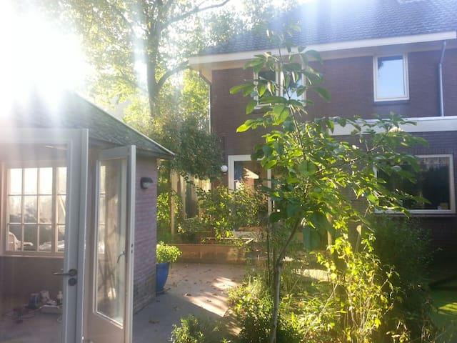 Compleet huis met tuin bij bos