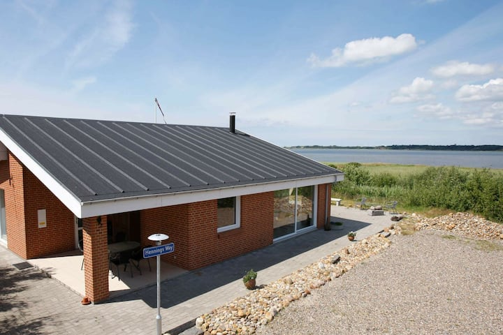 Beautiful Holiday Home in Thyholm with Roofed Terrace