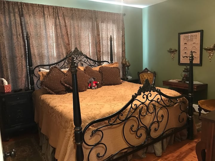 Bama Bed and Breakfast - Tusk Suite - WE ARE OPEN!