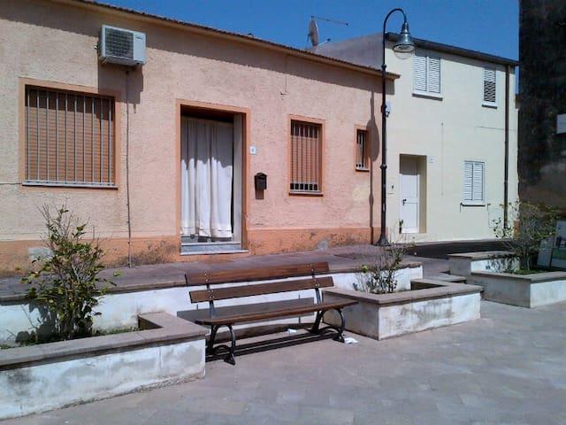 """Casa """"La Banca"""" - Bulzi - House"""