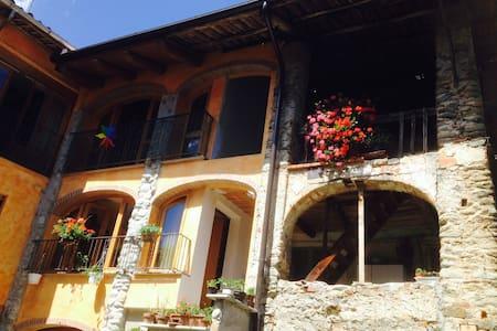 "Casa Marisa ""Camera LIDIA"""