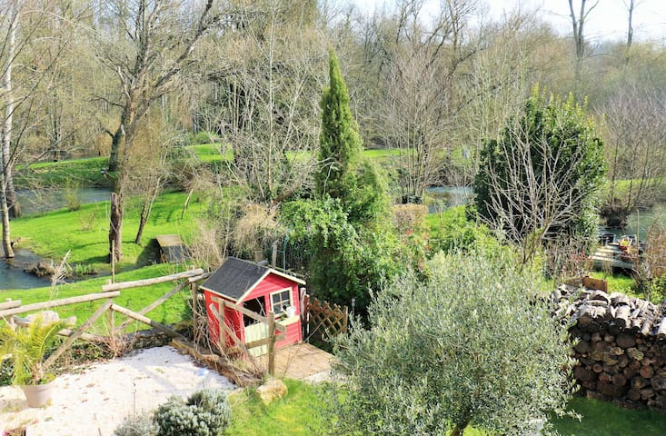 Mill in the middle of the river  - Sainte-Néomaye - Casa