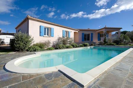 Villa avec piscine - Saint-Hilaire-de-Brethmas