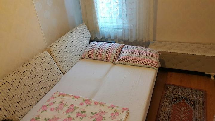 Apartmanda Size Özel Konforlu ve Temiz Oda