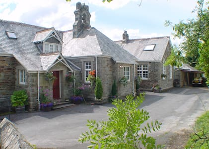 The Old School Guest House - Horrabridge - Bed & Breakfast