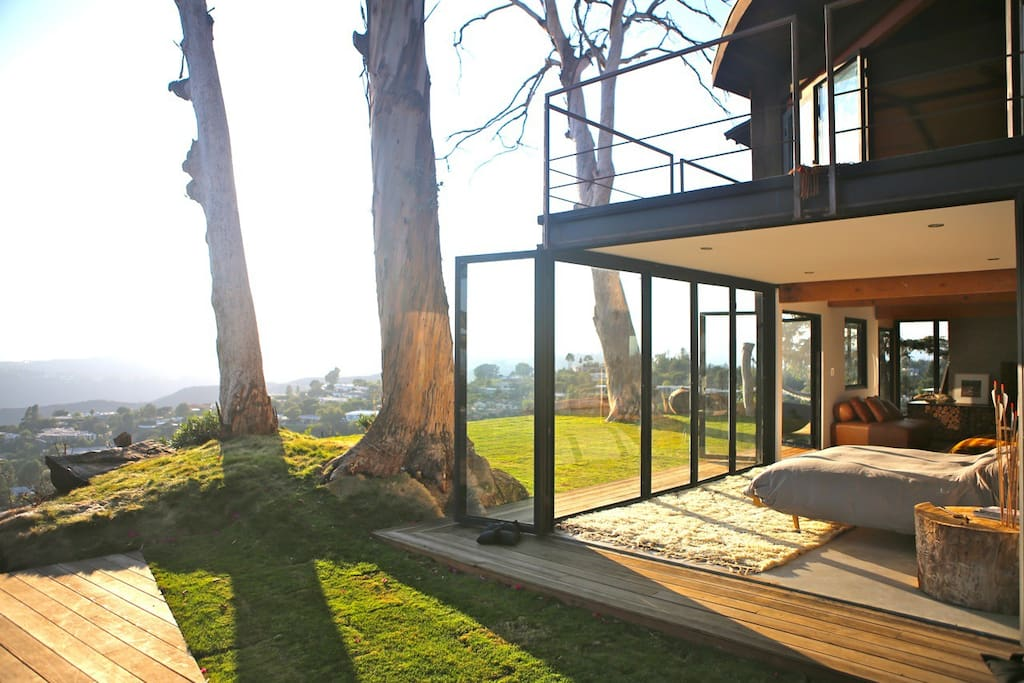 Tree house with 360 views of l a houses for rent in los for House 360 view