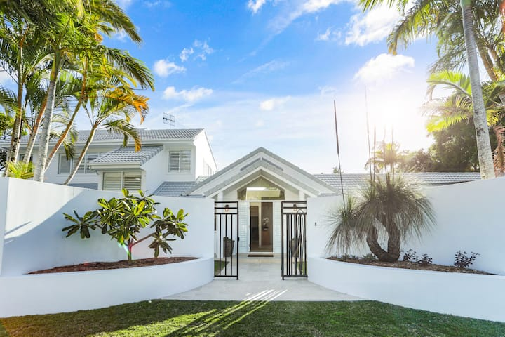 Island living in the heart of Noosa