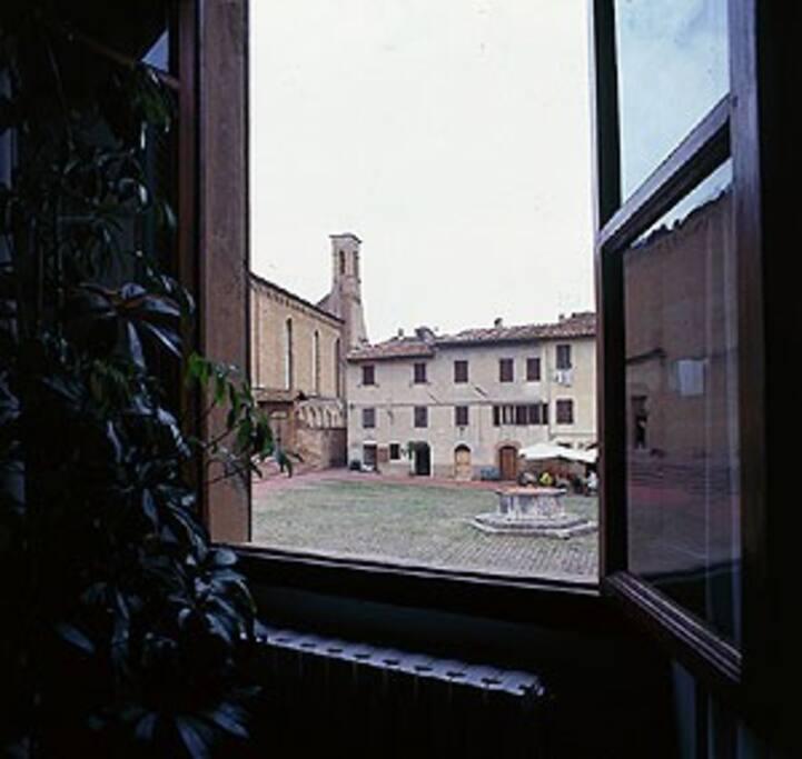 SANT'AGOSTINO - vista dalla finestra