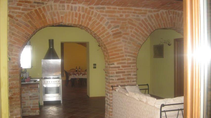 Casa vacanze e terrazzo panoramico - Mongardino, Monferrato, Asti - Appartement