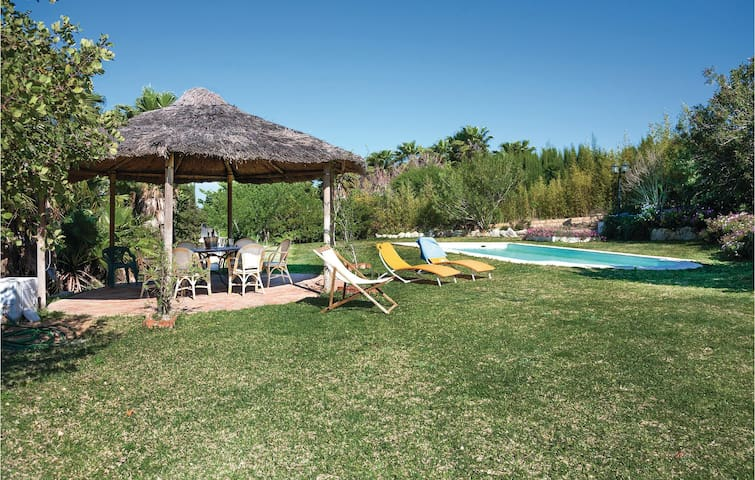 Holiday cottage with 3 bedrooms on 140 m² in Arcos de la F./Cádiz