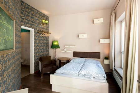 fancy ensuite double right in the historic centre - Weimar