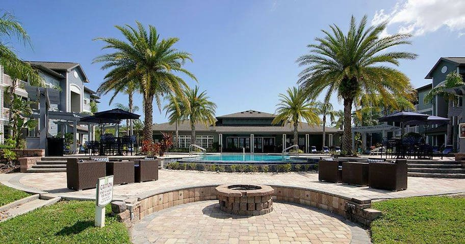 Andros Isles Luxury Apts, (Near Speedway/Airport)